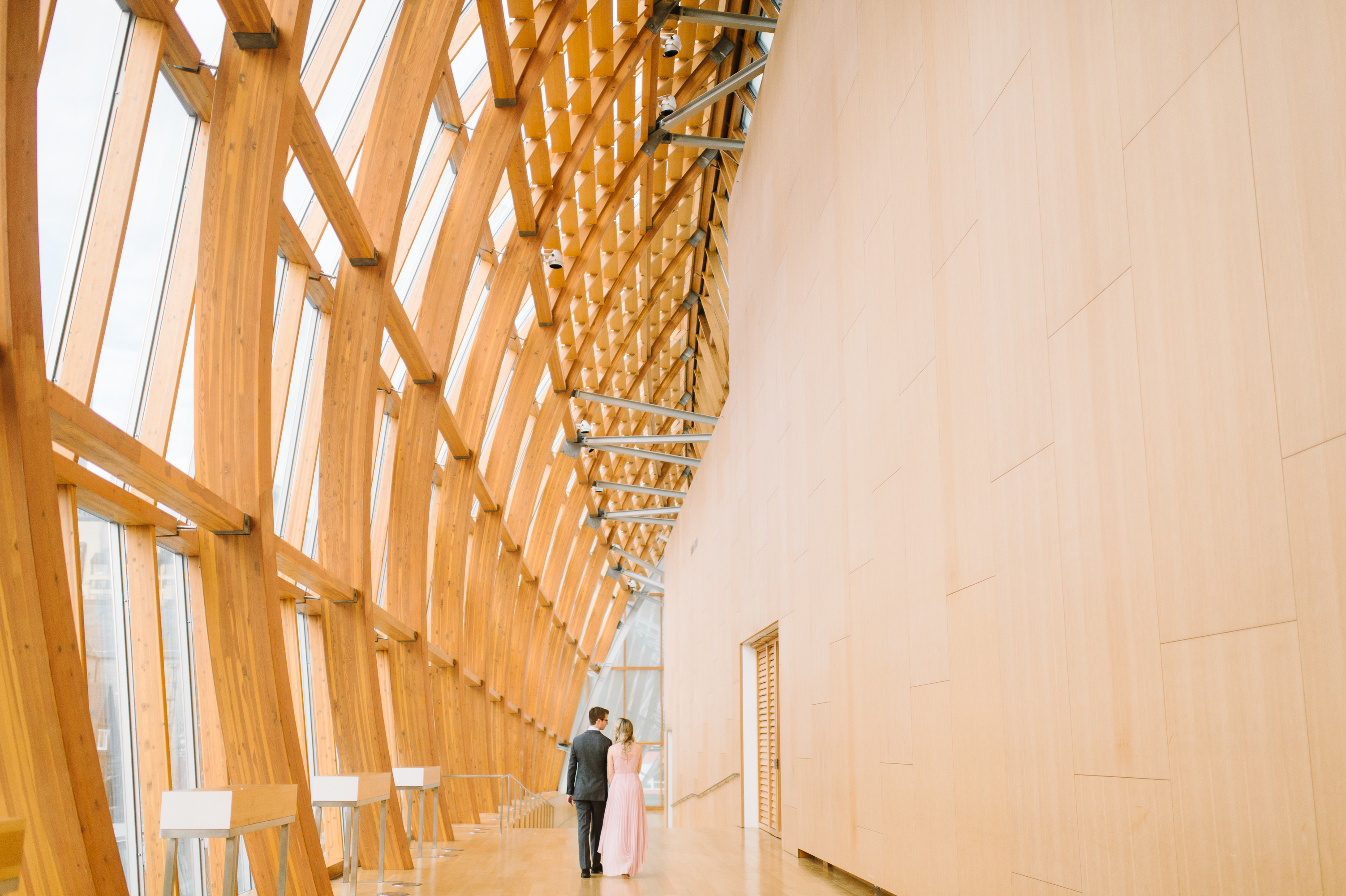 tara-mcmullen-photography-toronto-wedding-photographer-AGO-engagement-session-art-gallery-of-ontario-engagement-session-002