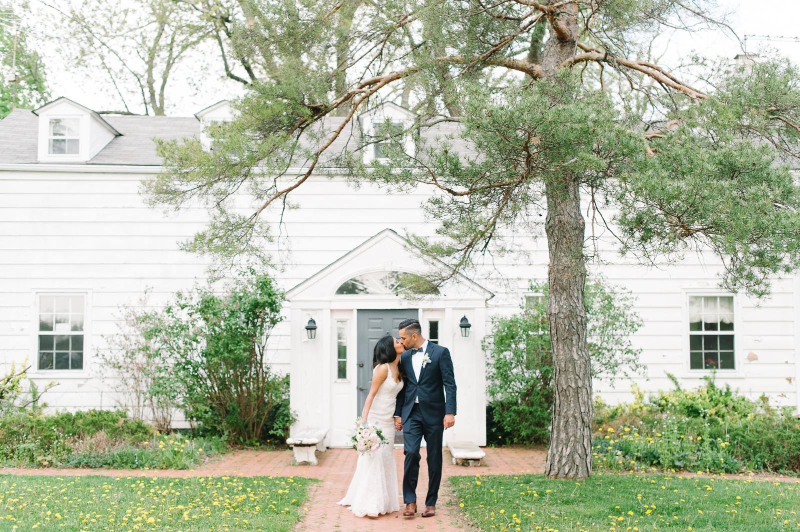 tara-mcmullen-photography-toronto-wedding-photography-alderlea-mansion-wedding-alderlea-wedding-brampton-scotsdale-farm-wedding-reem-acra-wedding-010