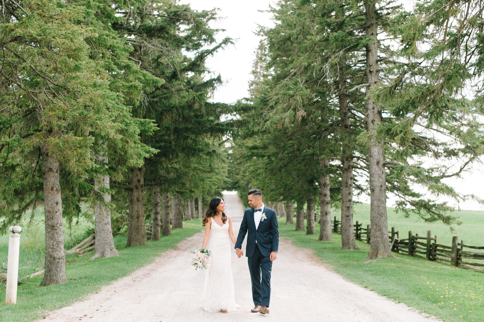 tara-mcmullen-photography-toronto-wedding-photography-alderlea-mansion-wedding-alderlea-wedding-brampton-scotsdale-farm-wedding-reem-acra-wedding-016